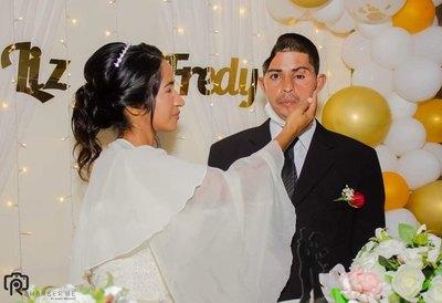 Crónica / Liz y Freddy sellaron su amor ante Dios gracias al apoyo de la gente