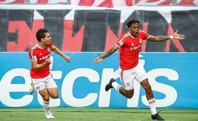 HOY / Inter vence a Gremio y aumenta su ventaja como líder en Brasil