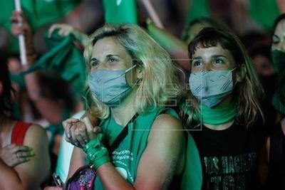 HOY / Entra en vigencia en Argentina la interrupción voluntaria del embarazo