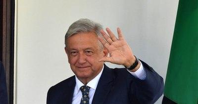 La Nación / Presidente mexicano López Obrador anuncia que tiene COVID-19