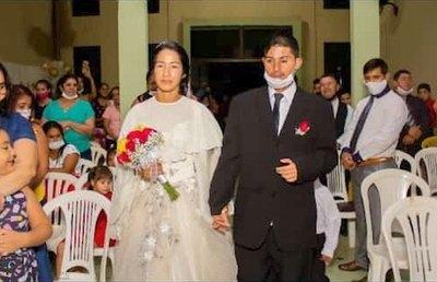 """Crónica / """"Mi boda fue como un cuento de hadas"""", he'i"""