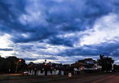 Meteorología anuncia un día caluroso con precipitaciones y tormentas