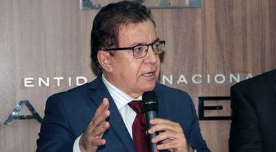 Presentan intimación a Nicanor Duarte Frutos por ocultar informes de transparencias