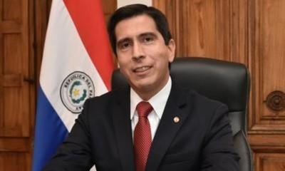 Federico González asume como director de Itaipú