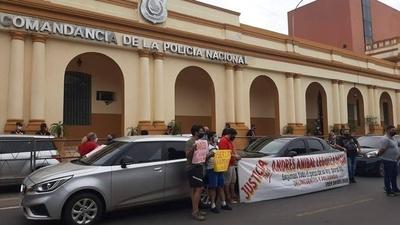 HOY / Conductores de Uber protestaron frente a la Comandancia para exigir justicia por colega baleado