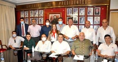 La Nación / Concordia cierra candidaturas en Encarnación y Villa Hayes