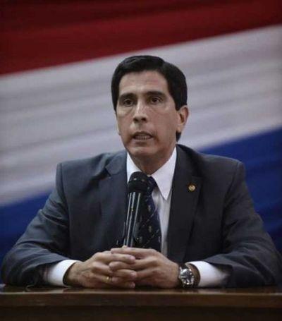 González reconoce que le pidió la renuncia a Ferreira por negarse a firmar el acta secreta