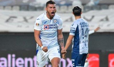 Con un golazo de Juan Escobar, Cruz Azul ganó a Pachuca