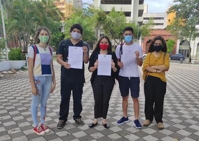Estudiantes exigen derogación de artículos que limitan acceso total a Ley de Arancel Cero