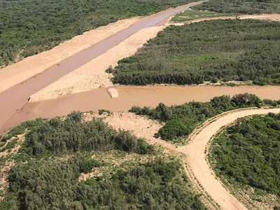 Río Pilcomayo sigue ingresando con buen caudal a territorio paraguayo