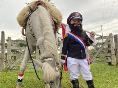 Niño se vistió de Mariscal López por su cumpleaños y es viral