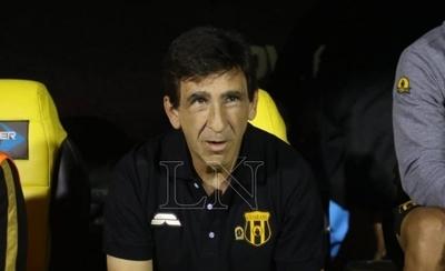 """HOY / Directos de Guaraní harán """"gran esfuerzo"""" para retener a Gustavo Costas"""