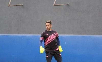 HOY / Juan Espínola va atajar en el fútbol argentino