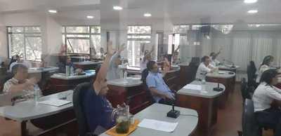 Concejales blindan al gobernador e impiden transparencia sobre obras