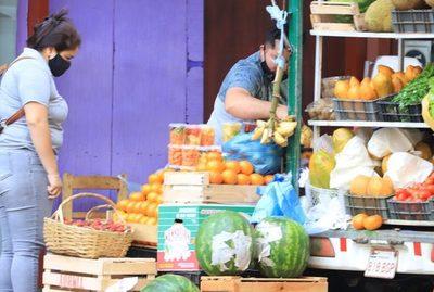 Analizan otorgar subsidio a informales y comerciantes en frontera con Argentina