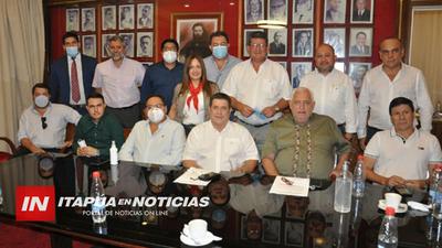 ROJAS RECIBE APOYO DE PARTIDARIOS EN LA CAPITAL.