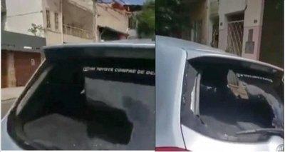 """Crónica / (VIDEO) Hace justicia con su cuerno: """"Mirá tu vehículo cómo quedó, te merecés por put.."""""""