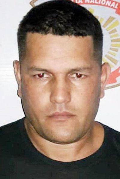 Policías otra vez complicados: Evaluar imputación por liberar a camarada  ayudante de sicario