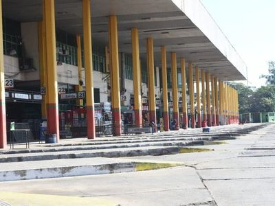 Empresas reclaman suba de canon por uso de dársenas en la Terminal