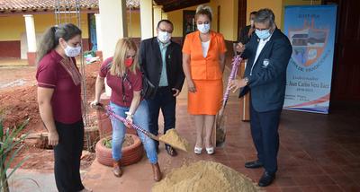 Villarrica: Dan inicio a construcción de tinglado en el Centro Regional de Educación