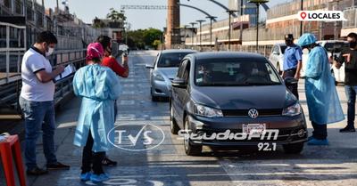 """Desalojan puesto de """"auto hisopado"""" del Centro Cívico Municipal"""