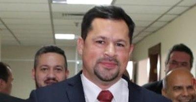 La Nación / Jueza definirá hoy si levanta prohibición de salir de Asunción al diputado Ulises Quintana