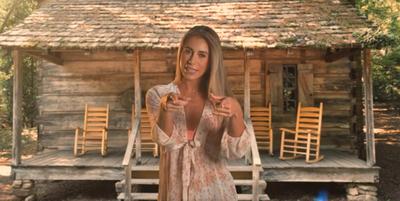 """Crónica / (VIDEO) Jessi lanzó su propia versión """"Vida de Rico"""""""