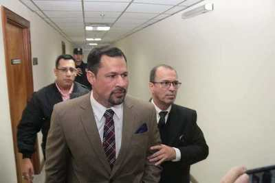 Diputado Ulises Quintana ya puede abandonar Asunción y anuncia viaje a Ciudad del Este