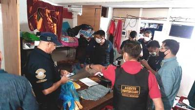 Ministerio de Justicia incauta teléfonos celulares de internos de Emboscada y Villarrica