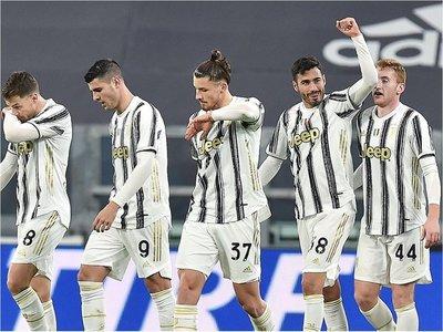 Juventus golea y avanza a semis
