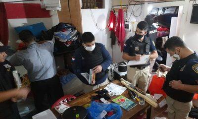 Requisan celulares en Penitenciarías de Emboscada y Villarrica