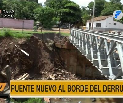 Puente recién inaugurado al borde del derrumbe en Lambaré