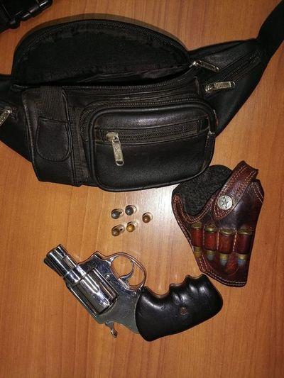 Un chofer amenazó con un arma a un agente de tránsito en Luque