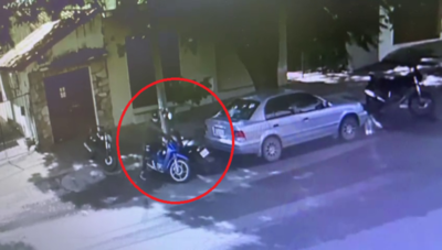 Roban motocicleta a un vendedor en el Mercado 4
