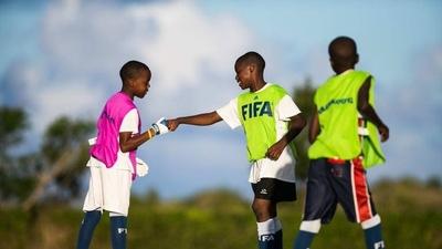 HOY / FIFA presenta un programa para la protección de la infancia en el fútbol