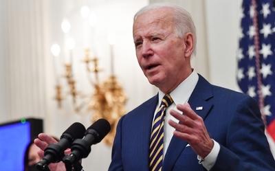 En reencuentro con el público, el Gobierno de Biden predice muchas más muertes por coronavirus en EEUU