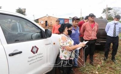 HOY / Minga Guazú: Juez y fiscal constatan presencia de invasores en inmueble