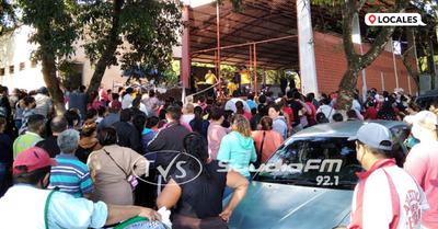Entregan kits de víveres a los trabajadores del paso fronterizo en el barrio Buena Vista