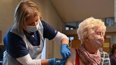 HOY / ¿La vida después de la vacuna podría significar que volvemos a la normalidad? Todavía no