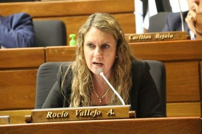 """Rocío Vallejo cuestiona imputación a Alegre: """"Hoy es Efraín, mañana puede ser Alliana"""""""