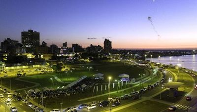 Feria de emprendedoras se instala en la Costanera de Asunción