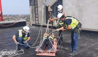 Capacitaron en rescates y emergencias a técnicos de las Oficinas de Gobierno