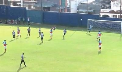"""Pique de Mateus y """"vaselina"""" de Ruiz, el gol que ilusiona"""
