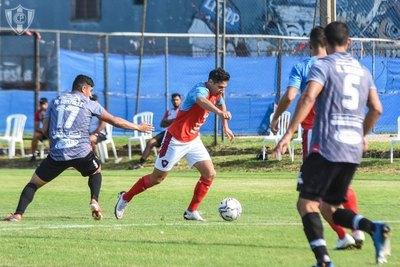 El golazo de Óscar Ruiz en el amistoso de Cerro Porteño