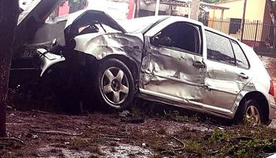 Solitario ladrón roba un vehículo y choca durante la huida