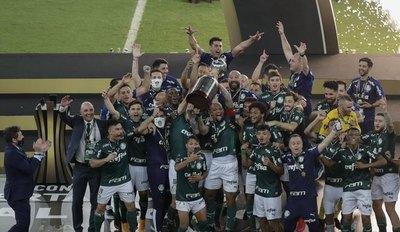 Palmeiras y Gustavo Gómez, en lo más alto de América