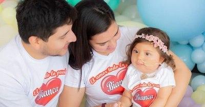 La Nación / Bianca: la pequeña que movilizó a todo un país, ya medicada, cumplirá dos años en febrero