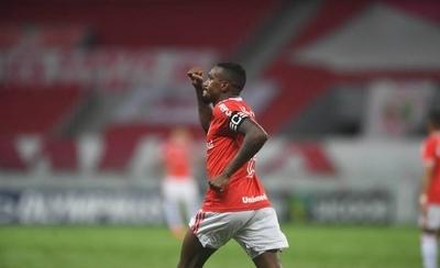HOY / Inter derrota al Bragantino y amplia su ventaja en Brasil