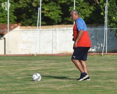 Francisco Arce y la formación para el debut de Cerro Porteño