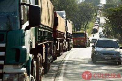 Huelga de CAMIONEROS en Brasil afectará IMPORTACIONES-EXPORTACIONES de Paraguay